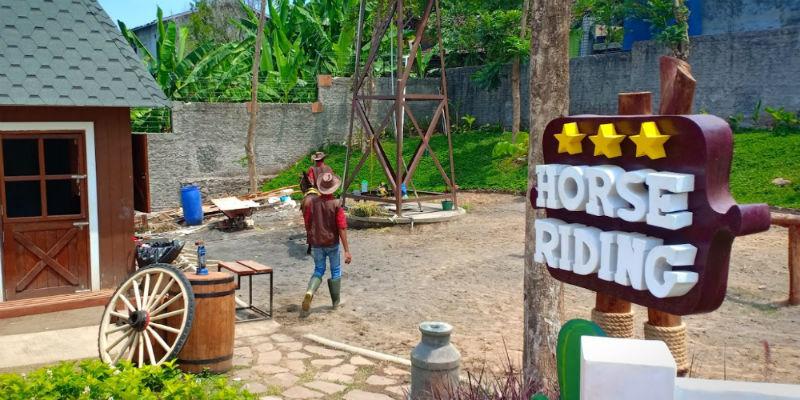 10 Keseruan Main Ke Cimory Dairyland And Resto Prigen